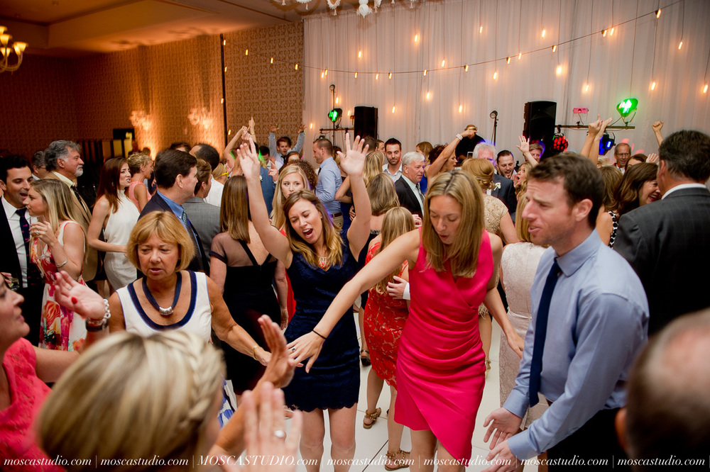 0170-MoscaStudio-Portland-Wedding-Photography-20150808-SOCIALMEDIA.jpg