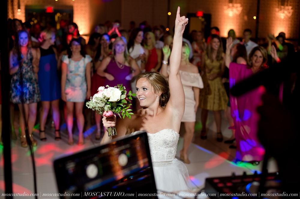 0176-MoscaStudio-Portland-Wedding-Photography-20150808-SOCIALMEDIA.jpg