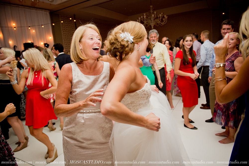 0181-MoscaStudio-Portland-Wedding-Photography-20150808-SOCIALMEDIA.jpg