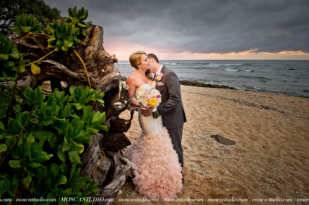 000858-6880-moscastudio-loulu-palms-estate-oahu-hawaii-wedding-photography-20150328-WEB.jpg