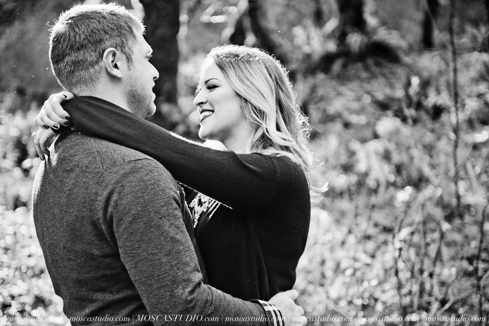 00010-MoscaStudio-Oregon-Coast-Engagement-Session-20160625-SOCIALMEDIA.jpg