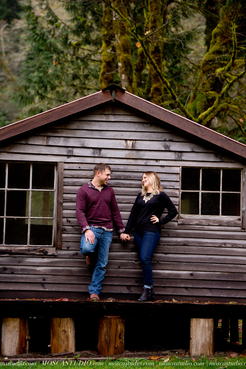 00028-MoscaStudio-Oregon-Coast-Engagement-Session-20160625-SOCIALMEDIA.jpg