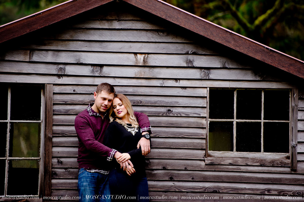 00032-MoscaStudio-Oregon-Coast-Engagement-Session-20160625-SOCIALMEDIA.jpg