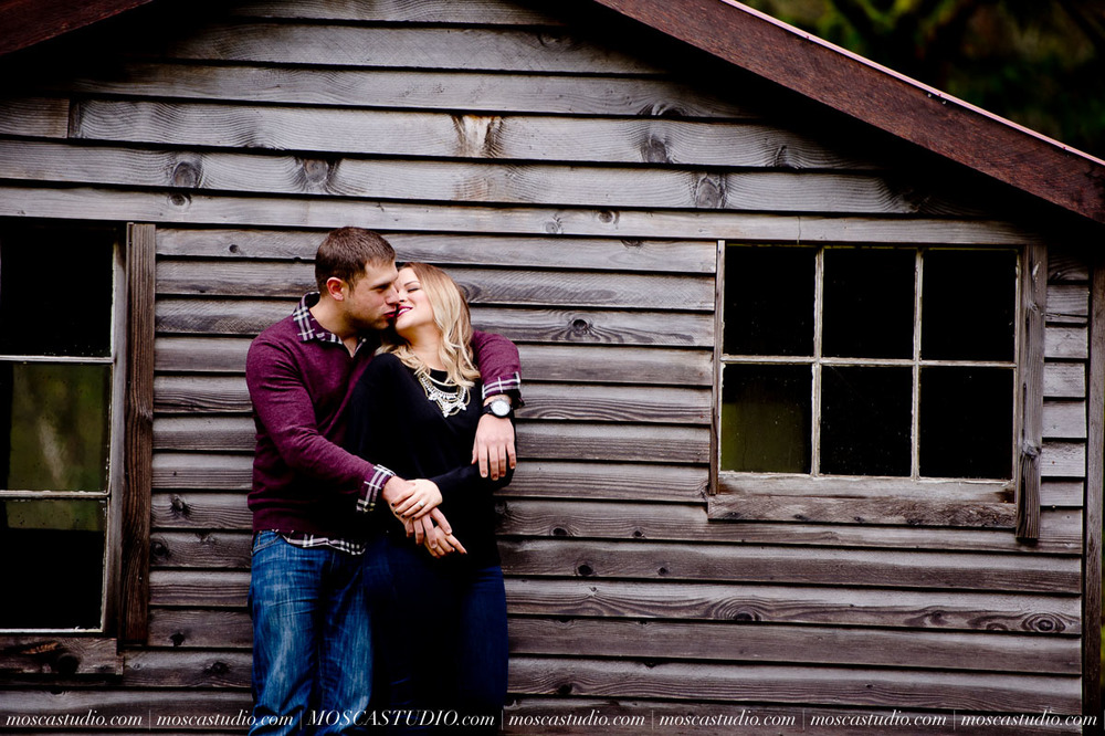 00036-MoscaStudio-Oregon-Coast-Engagement-Session-20160625-SOCIALMEDIA.jpg