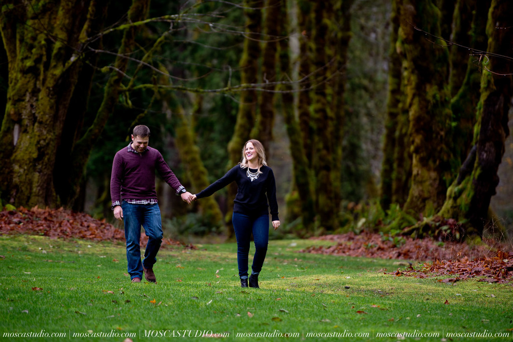 00062-MoscaStudio-Oregon-Coast-Engagement-Session-20160625-SOCIALMEDIA.jpg
