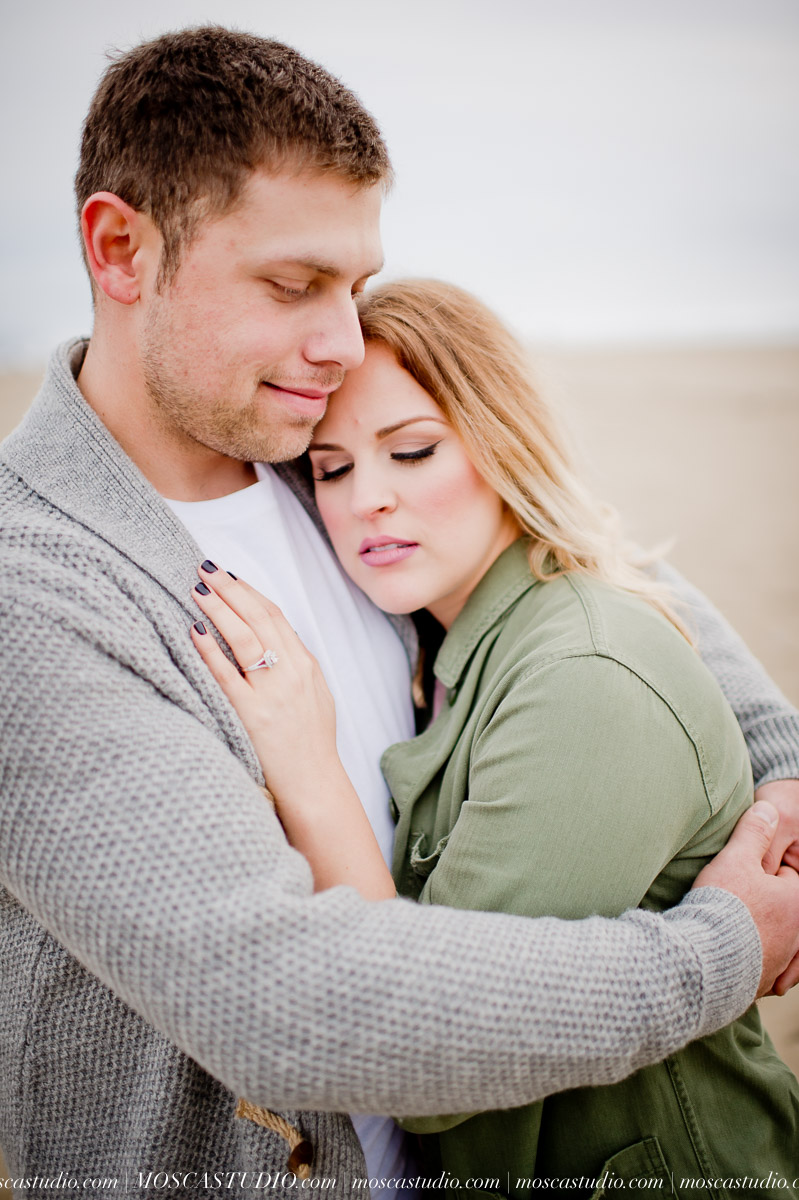 00087-MoscaStudio-Oregon-Coast-Engagement-Session-20160625-SOCIALMEDIA.jpg