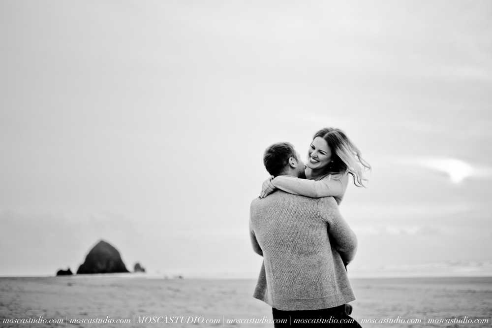00089-MoscaStudio-Oregon-Coast-Engagement-Session-20160625-SOCIALMEDIA.jpg