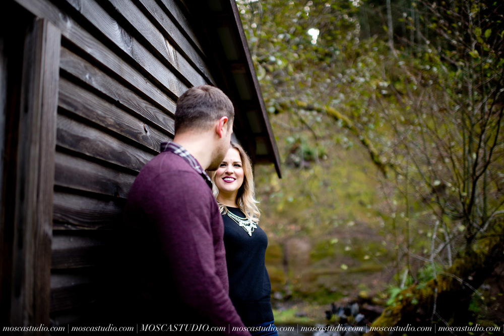 00124-MoscaStudio-Oregon-Coast-Engagement-Session-20160625-SOCIALMEDIA.jpg