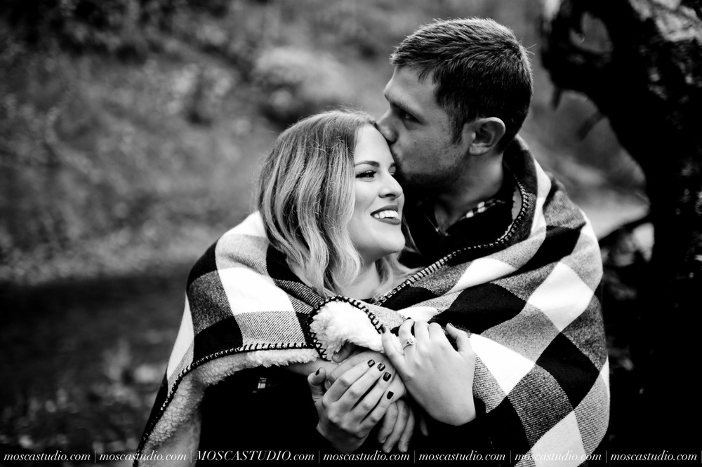 00164-MoscaStudio-Oregon-Coast-Engagement-Session-20160625-SOCIALMEDIA.jpg