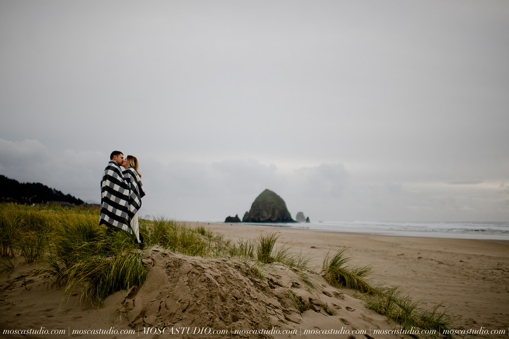 00191-MoscaStudio-Oregon-Coast-Engagement-Session-20160625-SOCIALMEDIA.jpg