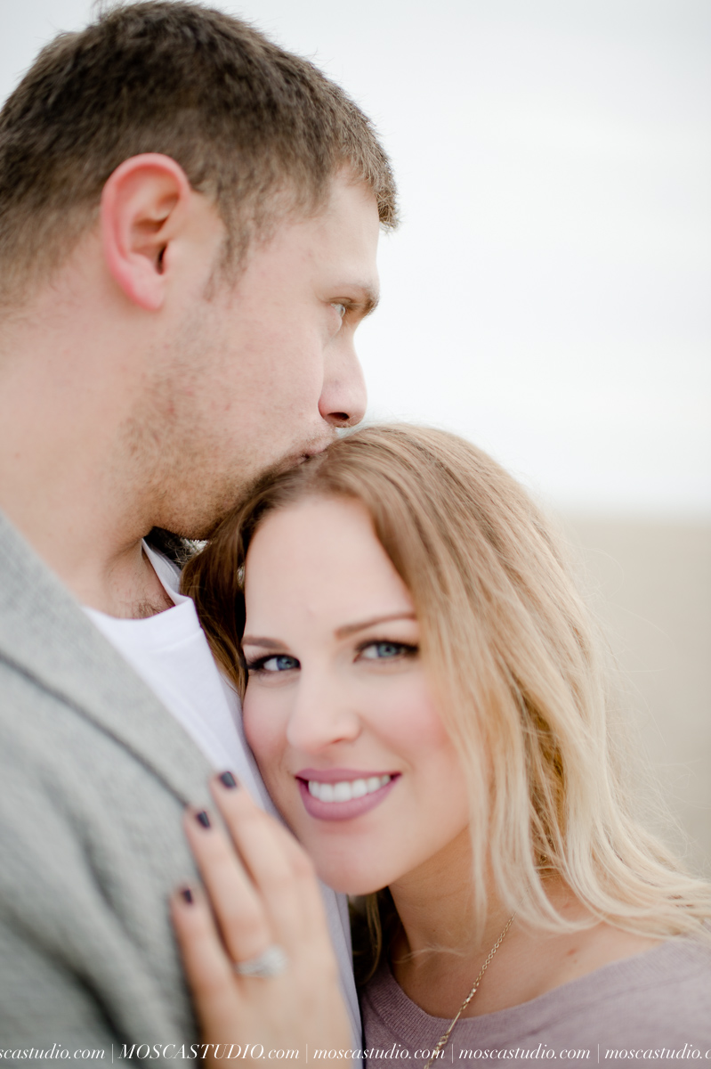 00236-MoscaStudio-Oregon-Coast-Engagement-Session-20160625-SOCIALMEDIA.jpg