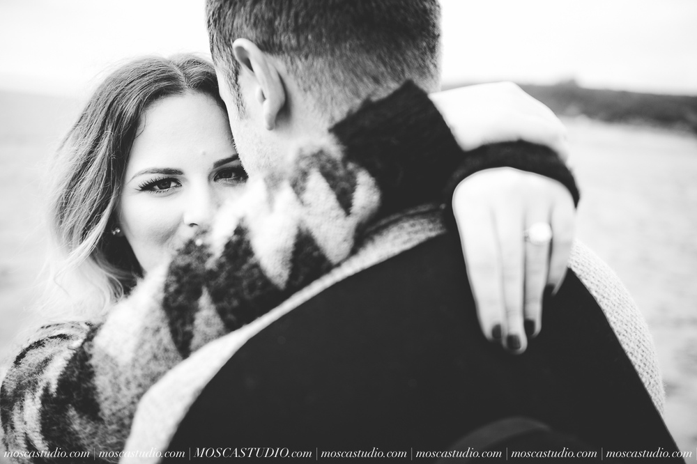 00288-MoscaStudio-Oregon-Coast-Engagement-Session-20160625-SOCIALMEDIA.jpg