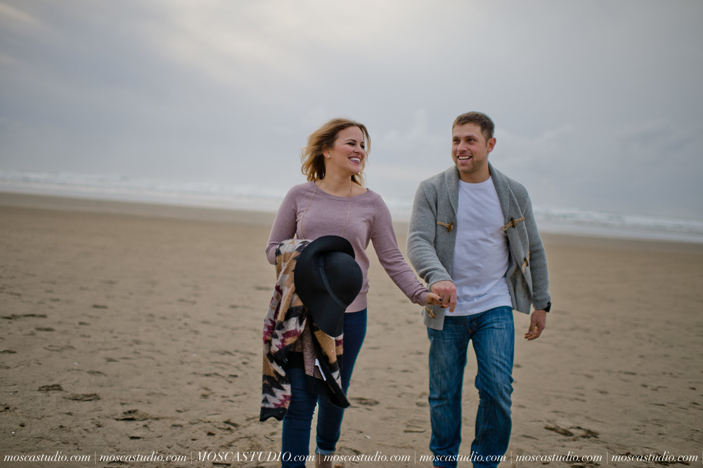 00304-MoscaStudio-Oregon-Coast-Engagement-Session-20160625-SOCIALMEDIA.jpg