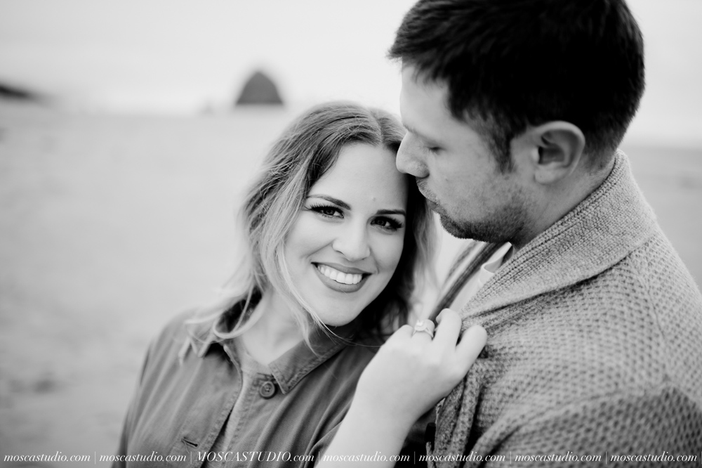 00343-MoscaStudio-Oregon-Coast-Engagement-Session-20160625-SOCIALMEDIA.jpg