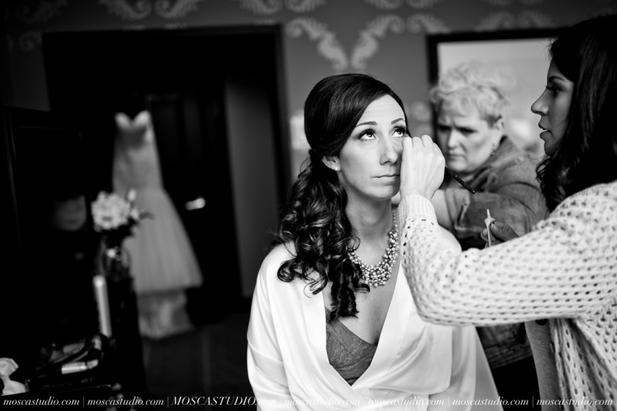 00438-MoscaStudio-Brandy-Mark-Portland-Wedding-Photography-20160305-SOCIALMEDIA-900x599.jpg
