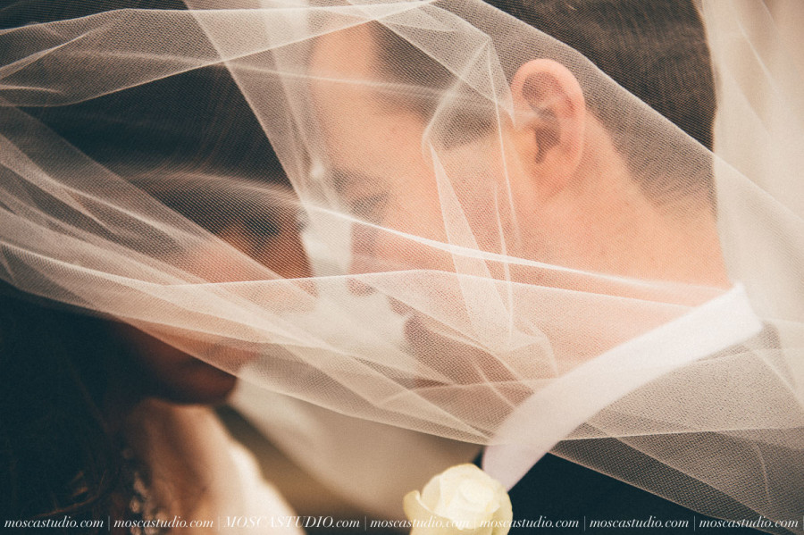 00784-MoscaStudio-Brandy-Mark-Portland-Wedding-Photography-20160305-SOCIALMEDIA-900x599.jpg