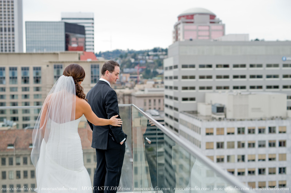 00516-MoscaStudio-Brandy-Mark-Portland-Wedding-Photography-20160305-SOCIALMEDIA.jpg