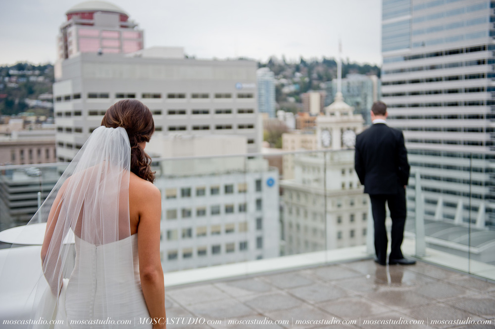 00511-MoscaStudio-Brandy-Mark-Portland-Wedding-Photography-20160305-SOCIALMEDIA.jpg