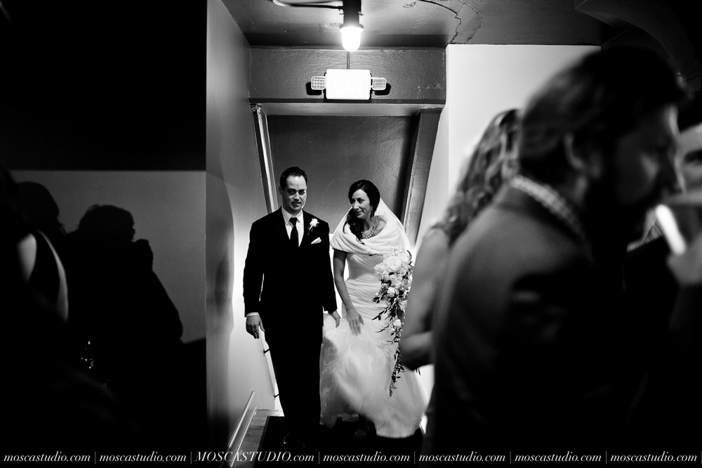 01195-MoscaStudio-Brandy-Mark-Portland-Wedding-Photography-20160305-SOCIALMEDIA.jpg