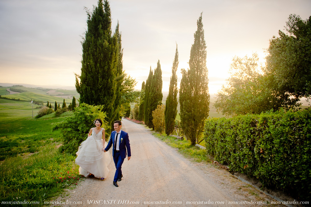 May 14 | Tuscany, Italy wedding    Xiaoming & Mirco Pre-wedding session: Siena, Tuscany, Italy Getting ready: Castello di Leonina, Asciano, Tuscany Ceremony: Castello di Leonina, Asciano, Tuscany Reception: Castello di Leonina, Asciano, Tuscany Post-wedding session: Abazia San Galgano, Tuscany   Photography by Alice of MoscaStudio