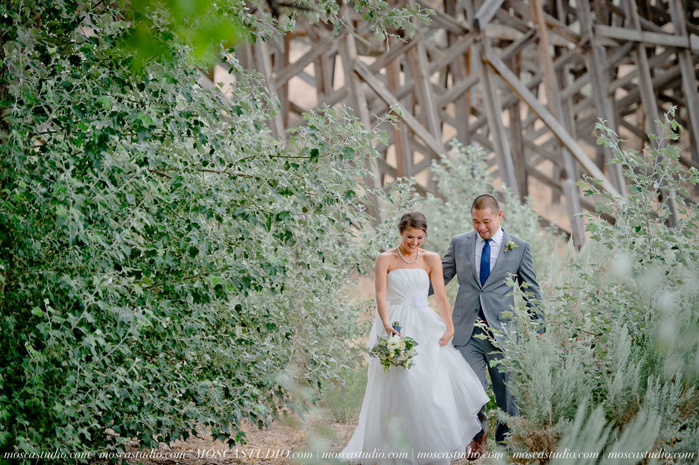 0013-MoscaStudio-Brasada-Ranch-Bend-wedding-photography-20150711-WEB.jpg