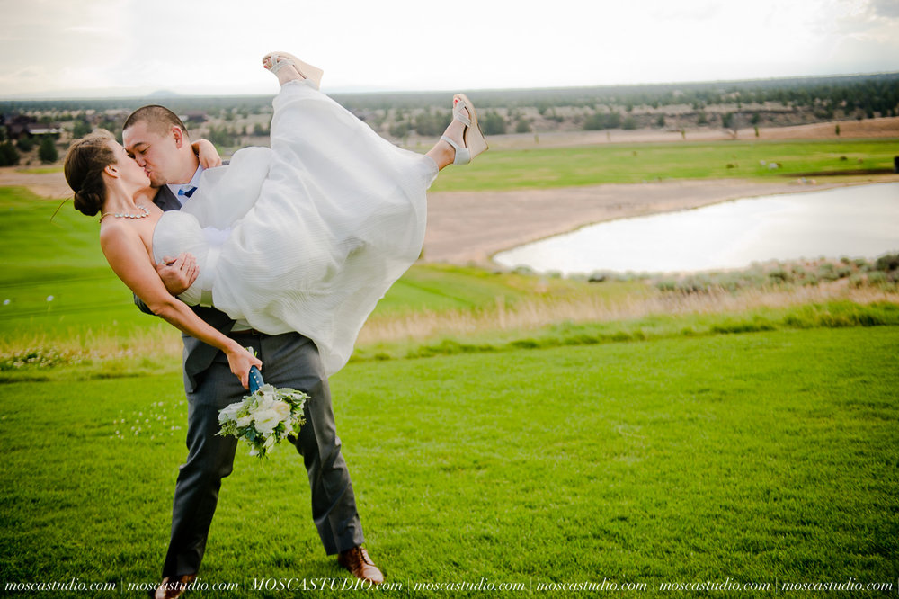 0037-MoscaStudio-Brasada-Ranch-Bend-wedding-photography-20150711-WEB.jpg