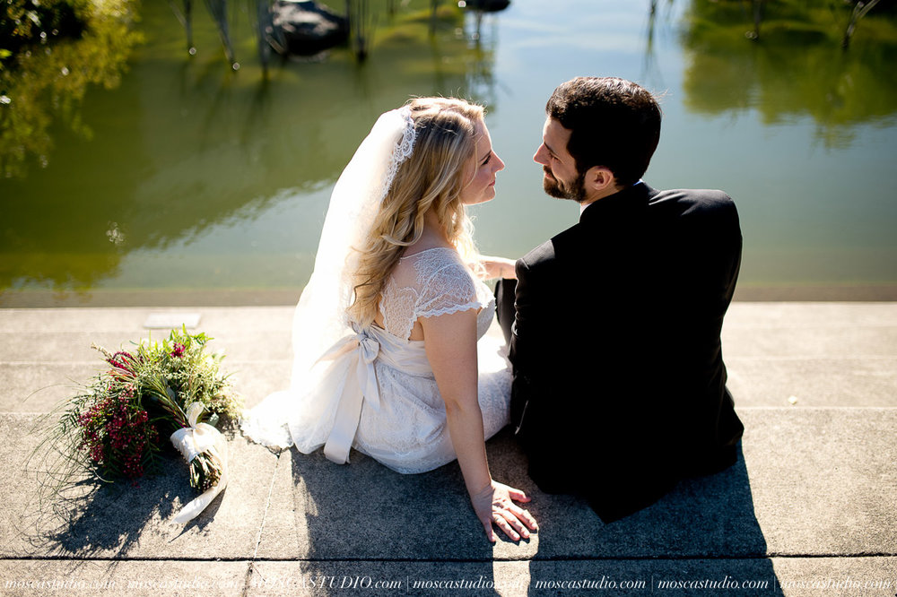 00251-moscastudio-lake-oswego-wedding-20160924-SOCIALMEDIA.jpg