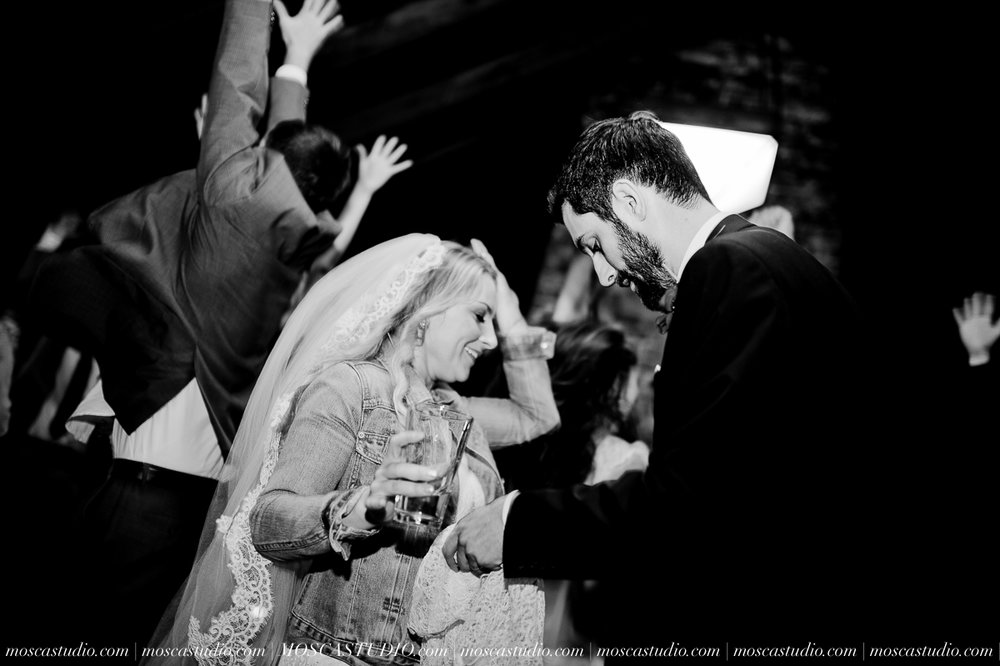 01221-moscastudio-lake-oswego-wedding-20160924-SOCIALMEDIA.jpg