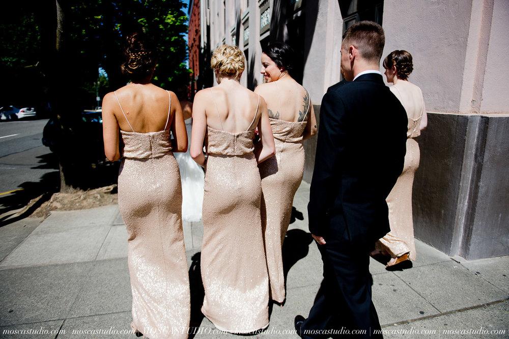 00544-MoscaStudio-Claire-Thomas-Portland-Wedding-20160730-SOCIALMEDIA.jpg