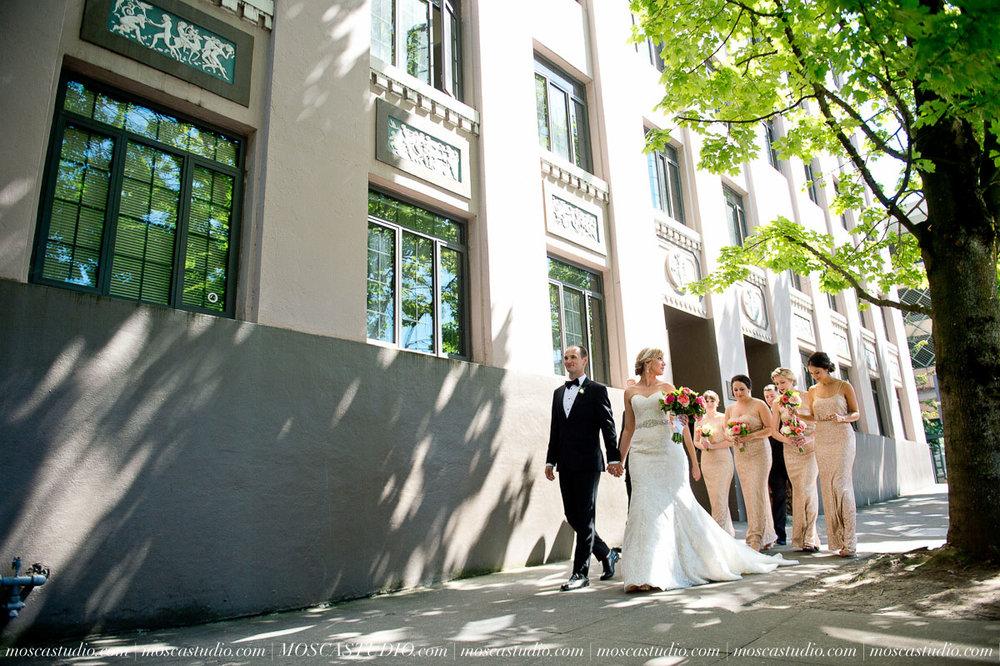 00548-MoscaStudio-Claire-Thomas-Portland-Wedding-20160730-SOCIALMEDIA.jpg