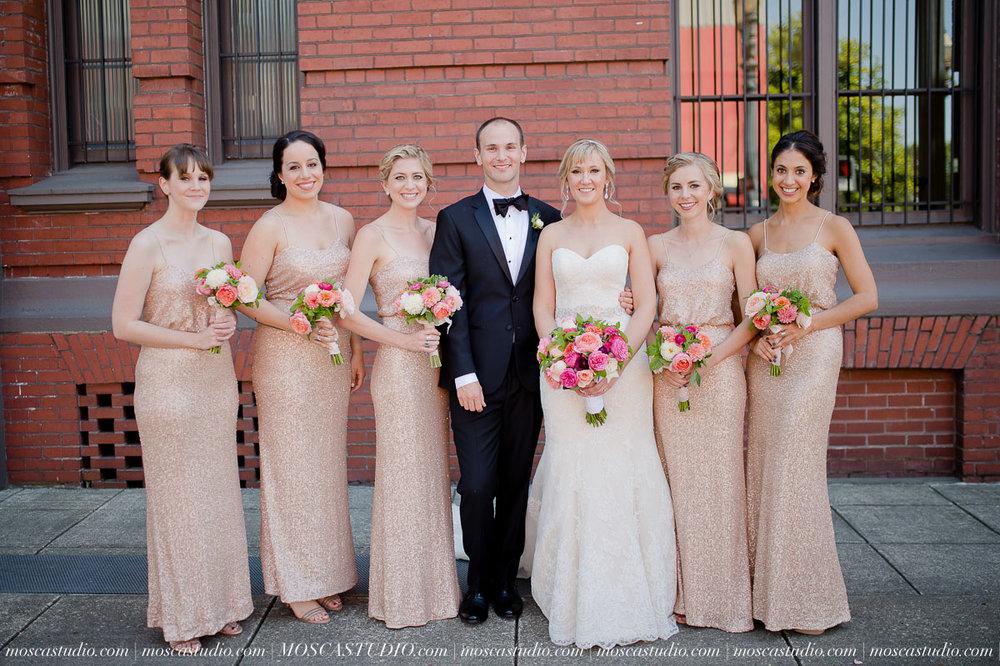 00583-MoscaStudio-Claire-Thomas-Portland-Wedding-20160730-SOCIALMEDIA.jpg