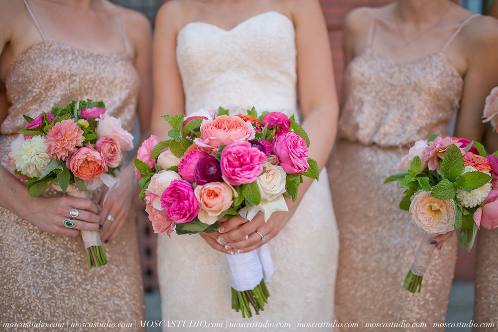 00609-MoscaStudio-Claire-Thomas-Portland-Wedding-20160730-SOCIALMEDIA.jpg