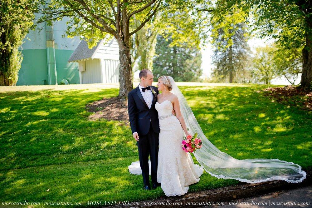00704-MoscaStudio-Claire-Thomas-Portland-Wedding-20160730-SOCIALMEDIA.jpg