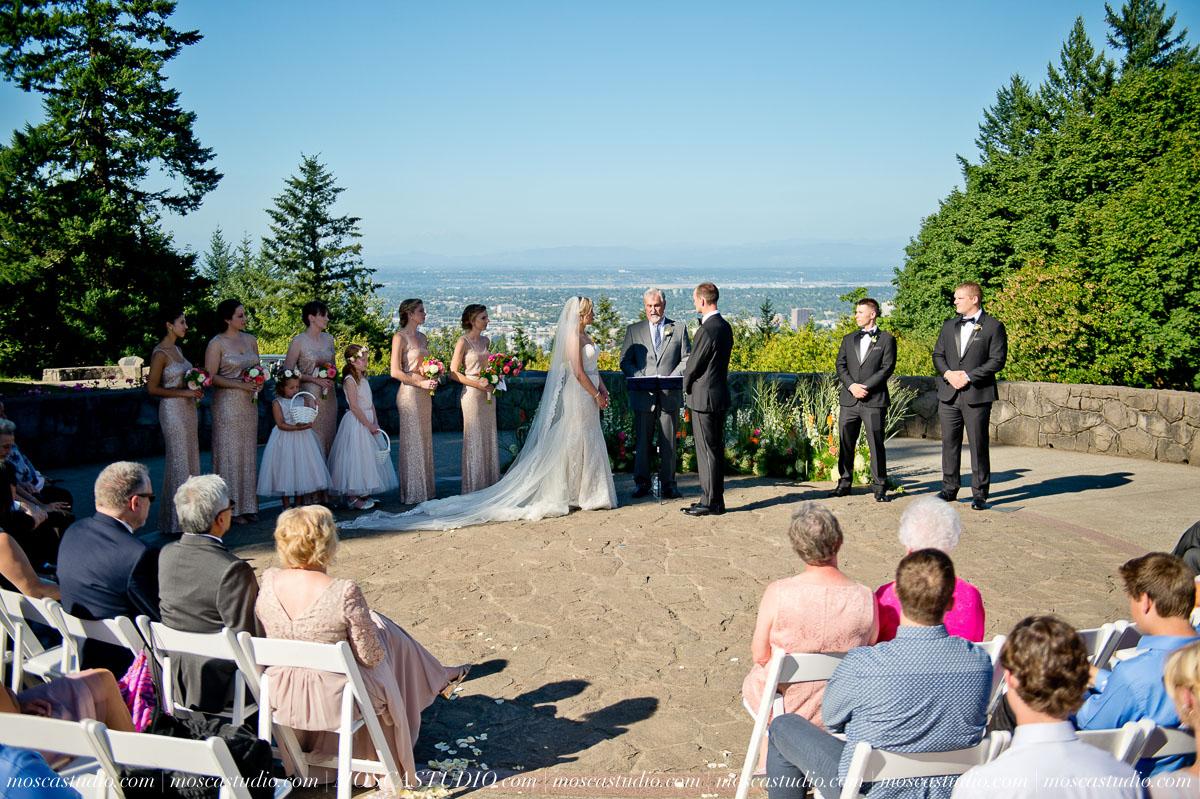 01009-MoscaStudio-Claire-Thomas-Portland-Wedding-20160730-SOCIALMEDIA.jpg