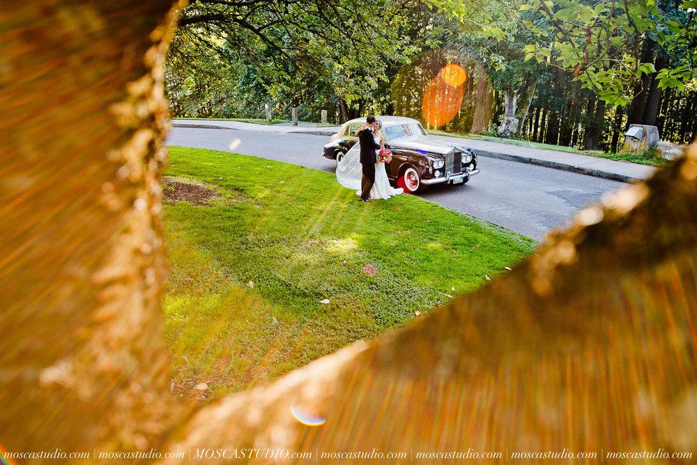 01224-MoscaStudio-Claire-Thomas-Portland-Wedding-20160730-SOCIALMEDIA.jpg
