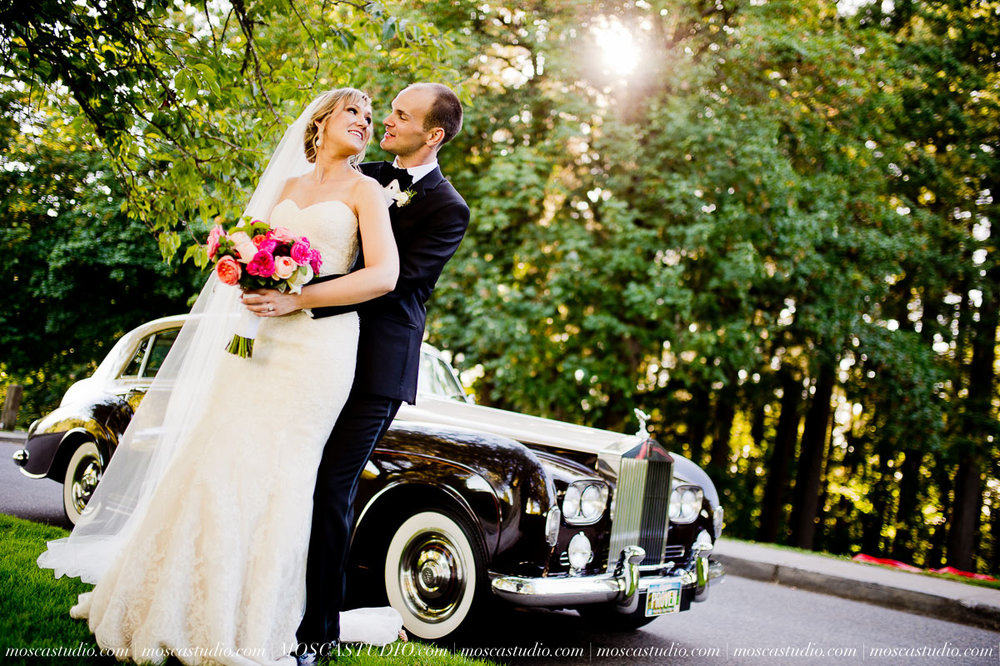 01238-MoscaStudio-Claire-Thomas-Portland-Wedding-20160730-SOCIALMEDIA.jpg
