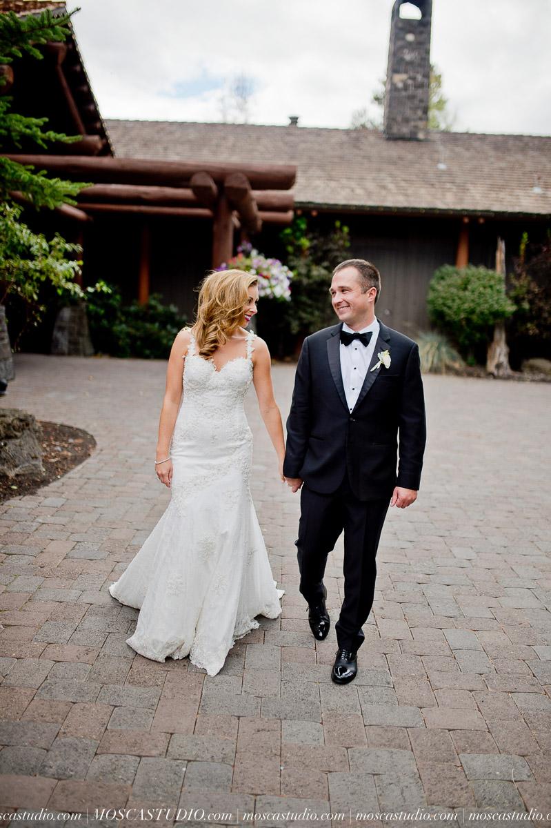 00767-moscastudio-kellyryan-sunriver-resort-wedding-20160917-SOCIALMEDIA.jpg