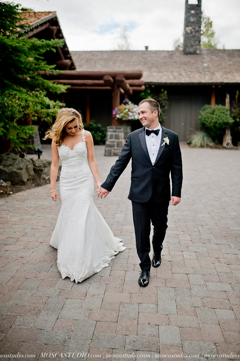 00773-moscastudio-kellyryan-sunriver-resort-wedding-20160917-SOCIALMEDIA.jpg