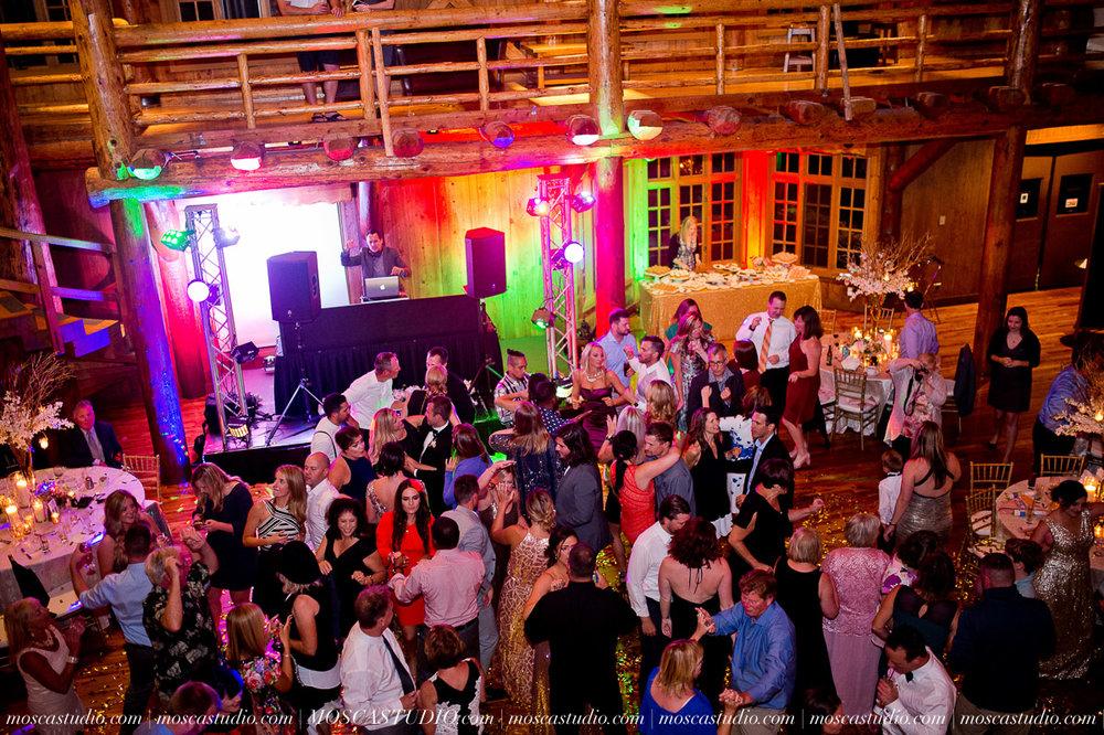 02194-moscastudio-kellyryan-sunriver-resort-wedding-20160917-SOCIALMEDIA.jpg