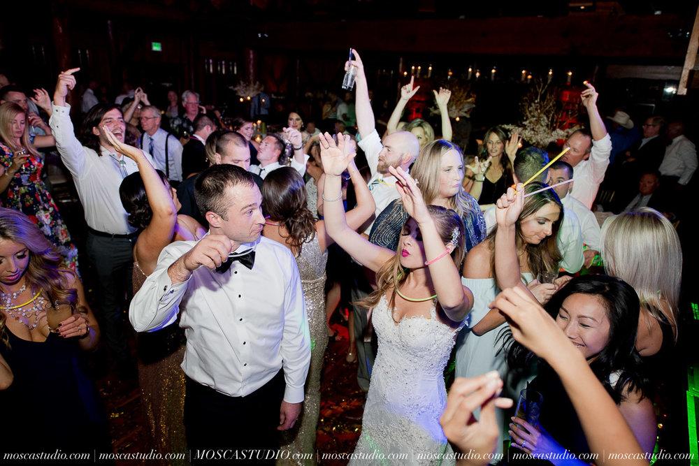 02334-moscastudio-kellyryan-sunriver-resort-wedding-20160917-SOCIALMEDIA.jpg