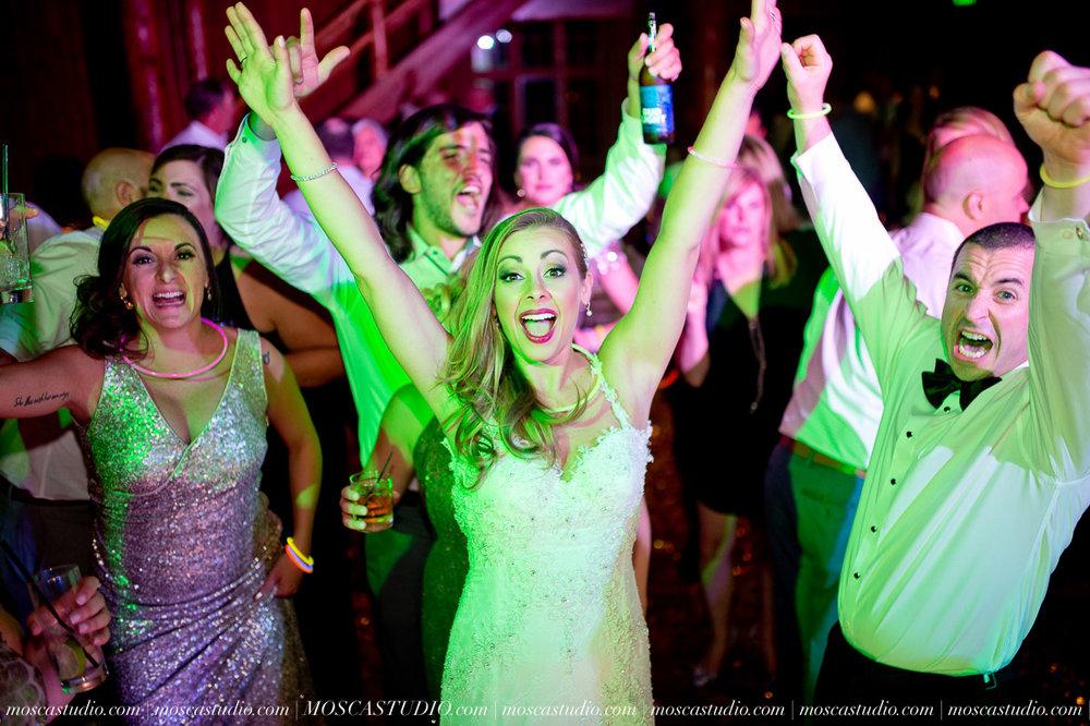 02384-moscastudio-kellyryan-sunriver-resort-wedding-20160917-SOCIALMEDIA.jpg