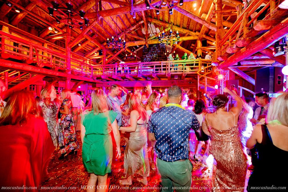 02387-moscastudio-kellyryan-sunriver-resort-wedding-20160917-SOCIALMEDIA.jpg