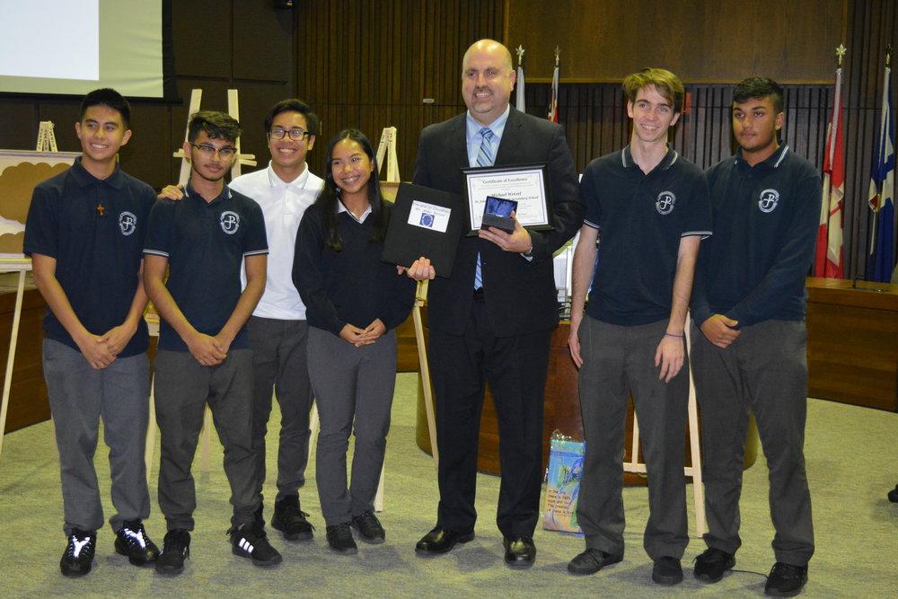 JPII Mike Wetzel with students.JPG