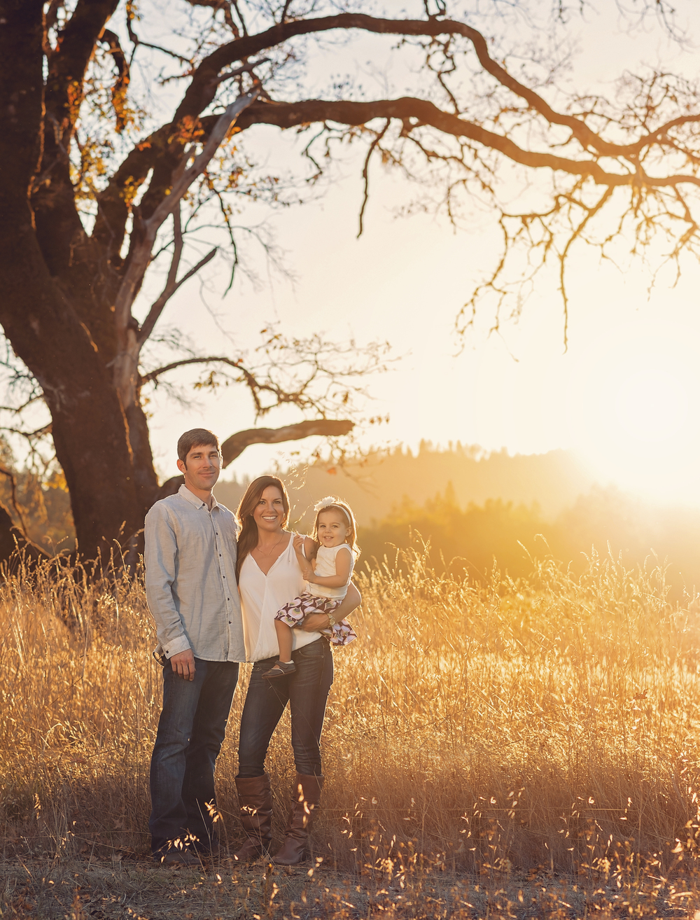 Golden-Sunset-Family-Garberville-California-Oak-Tree-Field-Grass-Autumn-Southern-Humboldt-Community-Park-Fall-Nature-Beauty-