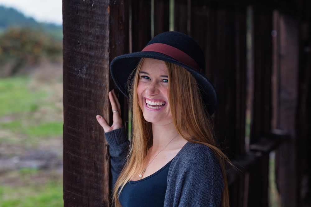 Grin-Smile-Senior-Portrait-Floppy-Hat-Barn-Country-Southern-Humboldt-Community-Park-Garberville-California-Class-of-2016-South-Fork-High-School-Miranda-Girl-Beautiful-Glowing-Excitement