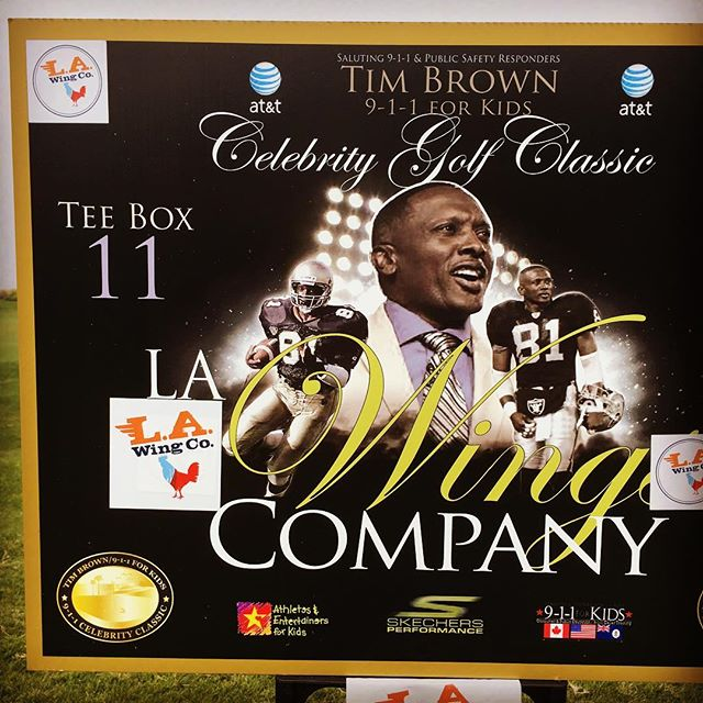 ⛳️⛳️⛳️ Over here hittin' balls n' serving 🍗🍟🍗🍟 for NFL Hall of Fame WR Tim Brown 🏈🏈 If you want L.A. Wing Co. at YOUR next PRIVATE EVENT or GATHERING...give us a call ☎️(323) 739-4104📞 💻 E-mail us @ info@LAWingCo.com💻 or visit our WEBSITE @ LAWingCo.com for more information!!!! #LaWingCo #wings #eats #yum #food #fried #foodie #foodporn #foodtruck #Instafood  #bww #streetfood #gourmet #hotsauce #hotwings #LosAngeles #chef #LATimesFood #chicken #chickenwings #bestwings #buffalosauce #buffalowings #nomnom #munchies #aintnothang #foodstagram #LARams #BestWingsInLA #Raiders