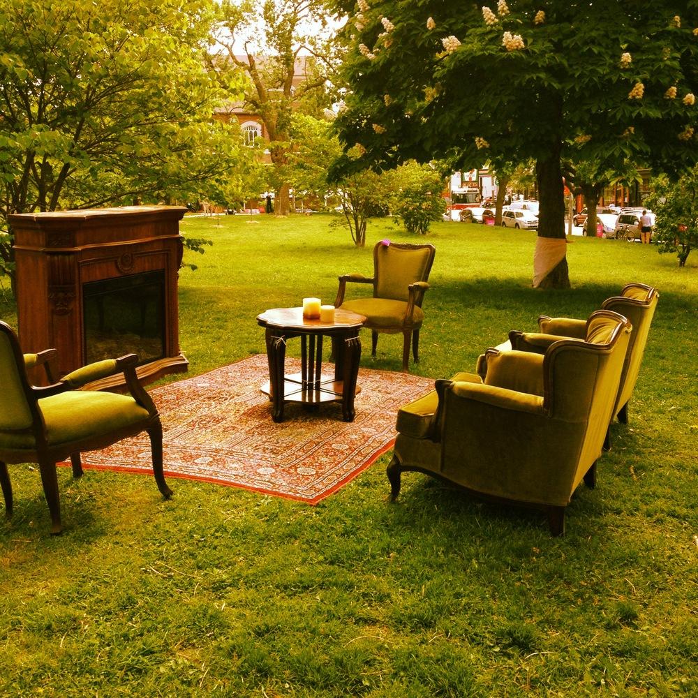 trinity bellwoods lounge