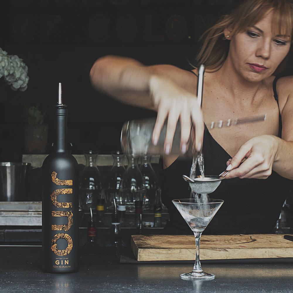 Juno-cocktail-pour-sq.jpg