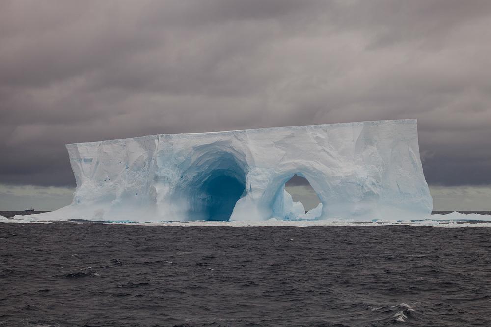 37_Icebergs_130224.jpg