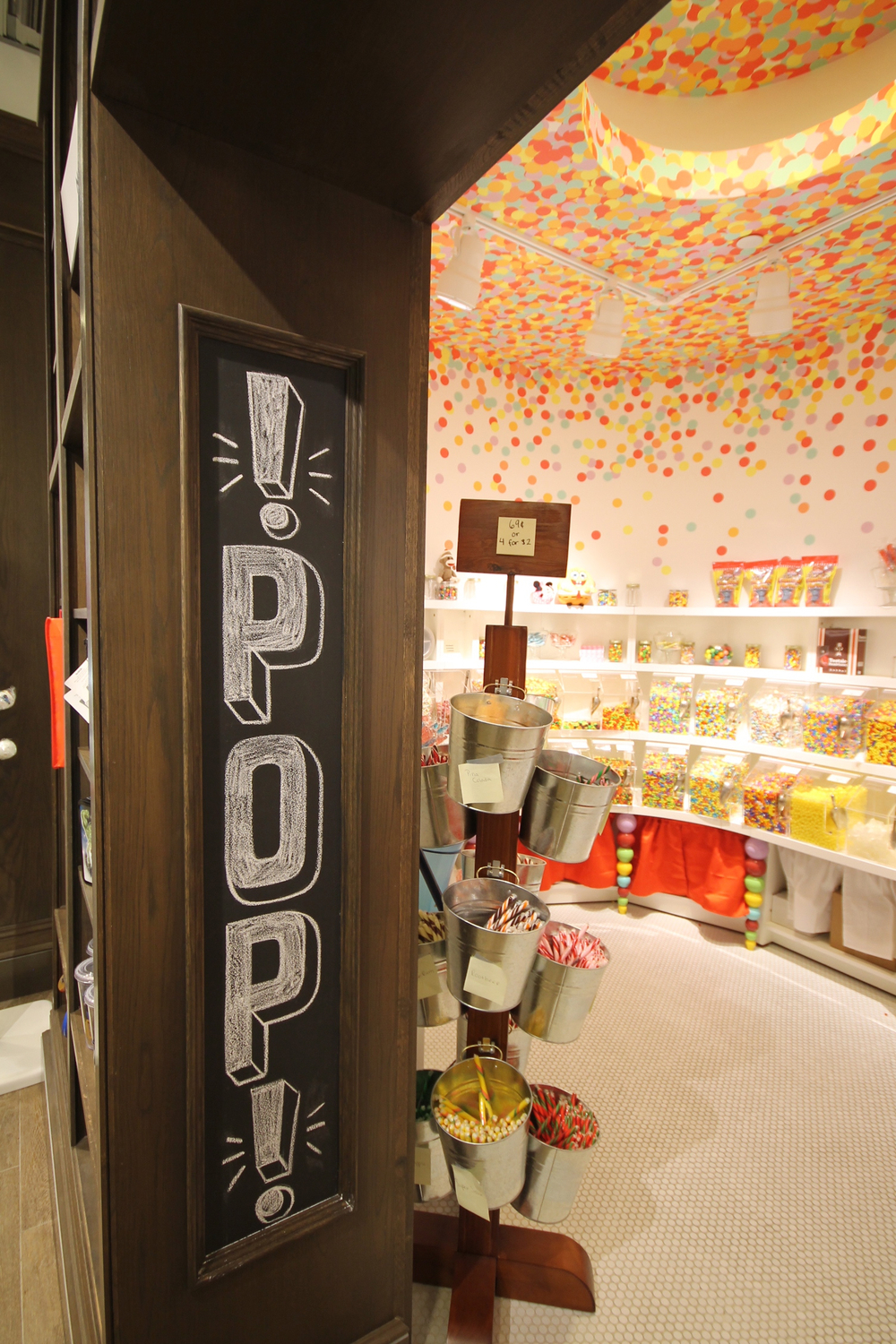Lolli and Pops, Fashion Outlets of Chicago, Rosemont IL, August 2013